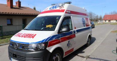 Nieprzytomny rowerzysta przewieziony do szpitala