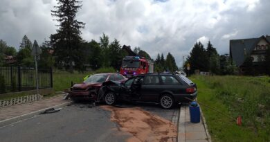 Zderzenie samochodów osobowych w Zakopanem