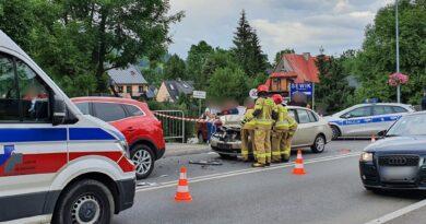 Ciasno na drogach w Zakopanem. Cztery auta zderzyły się na ul. Kasprowicza