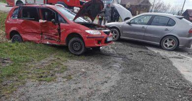 Zderzenie dwóch samochodów (zdjęcia)
