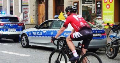 Policjanci zabezpieczali 2 i 3 etap 59. Małopolskiego Wyścigu Górskiego.