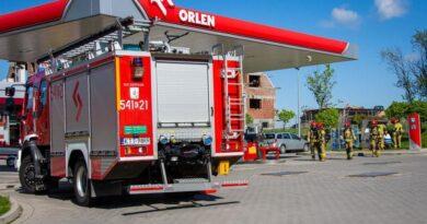 Ewakuacja ze stacji paliw (zdjęcia)